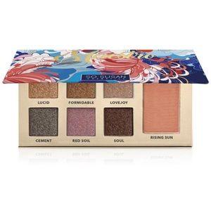 Vegan eyeshadow and blush palette pigments